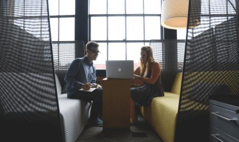 サービス開発に必要なユーザーインタビューとは